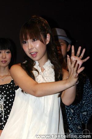 疋田紗也さんのインナー姿