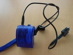 手動式携帯電話充電器